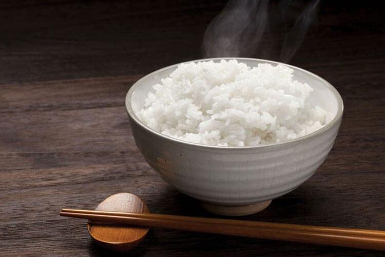 آیا گرم کردن مجدد برنج مشکلی دارد؟